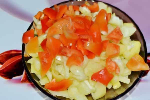 Лечо из баклажанов с помидорами