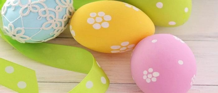 Как покрасить яйца на Пасху 2019 своими руками в домашних условиях красителями